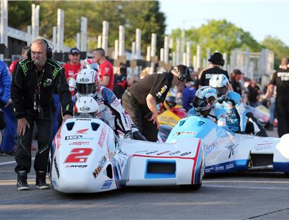 Holden/Winkle back on form in opening sidecar session at 2016 Isle of Man TT Races
