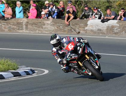 Michael Dunlop throws down gauntlet to rivals in Superbike and Superstock classes at Isle of Man TT