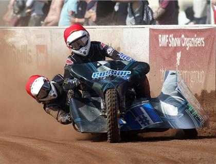 Cossar and Blyth take victory at ACU Track Racing Sidecar Championships Rd 1 & 2- Peterborough