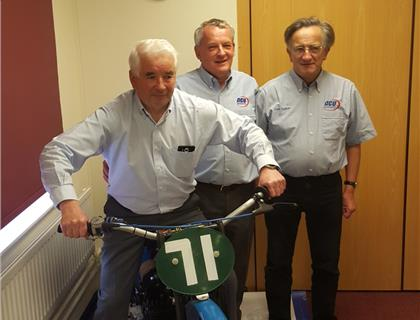 Track Racing Committee give thanks to two long standing members