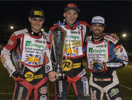 Cook Crowned British Speedway Champion