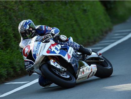 'Bingley Bullet' blasts to top of RST Superbike leaderboard with first 130mph lap of TT 2016